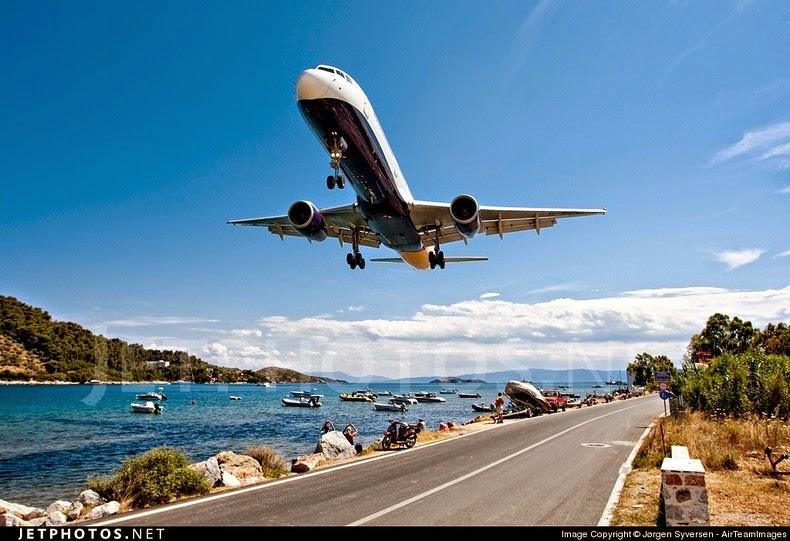 "Skiathos Airport – The ""Saint Martin"" Of Greece 11"